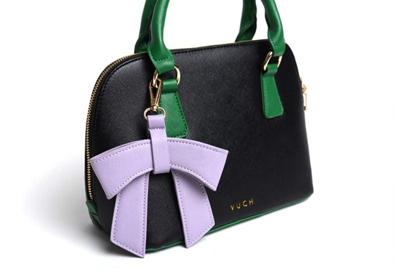 725a4579e44 Barevná dámská kabelka s mašlí černá Invert Collection - COCO - Vuch